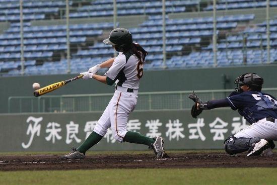 womens-girls-baseball-team-trips