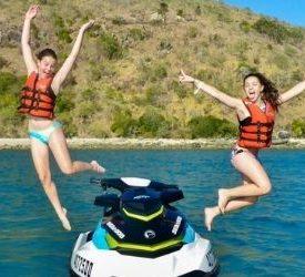 girls airlie beach jet ski