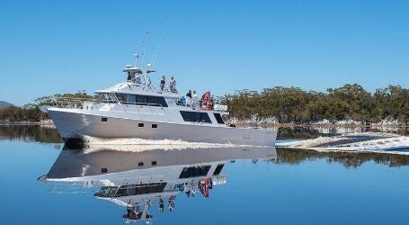 girls hobart team trip boat charter