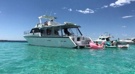 perth team trip private cruise